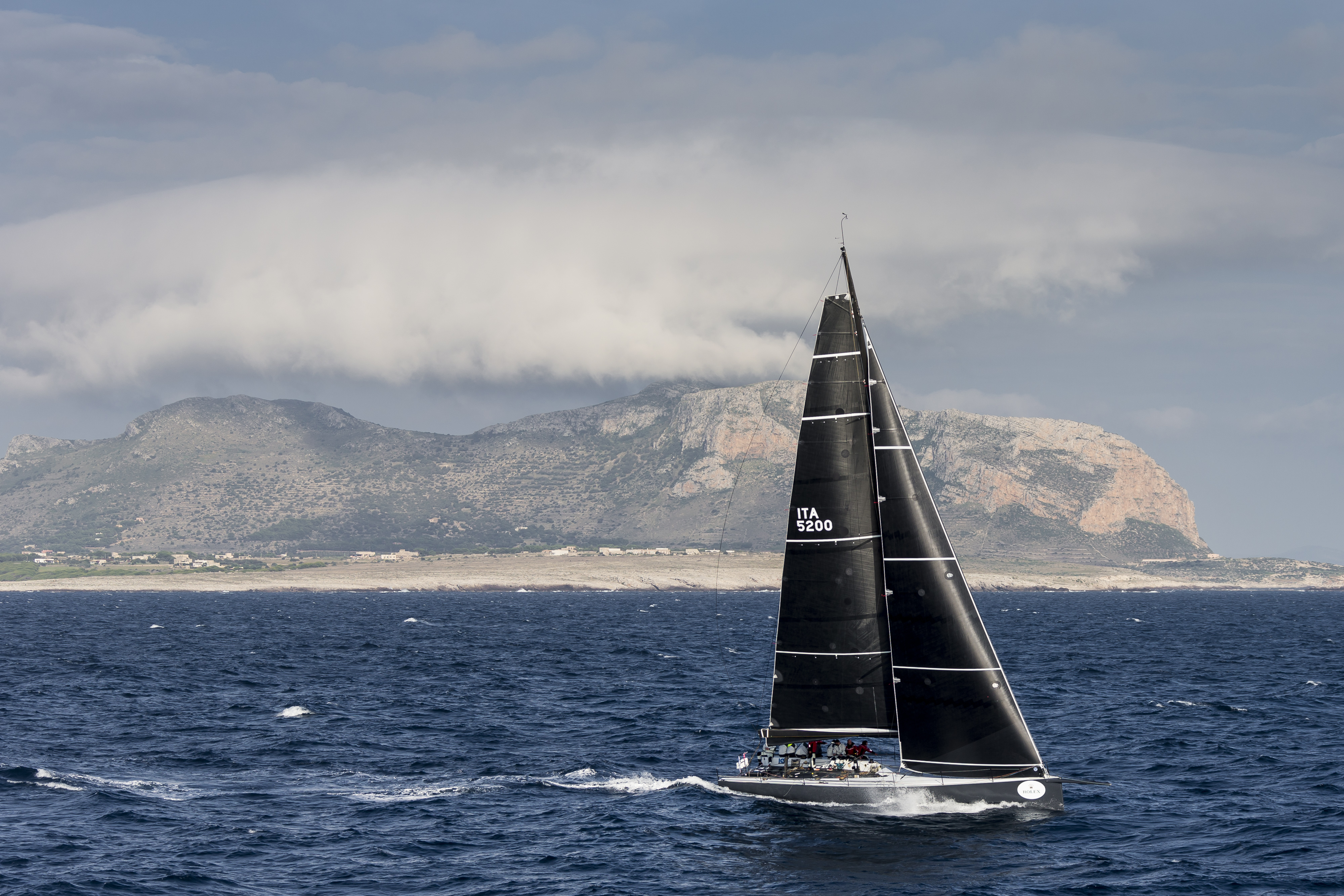 B2, Sail n: ITA5200, Boat Type: IRC 52, Skipper: Michele Galli, Country: Italy