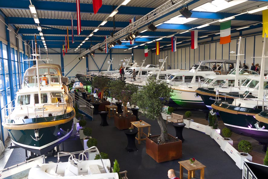 Linssen-Yachts-showroom-2