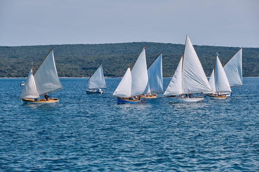 44. Nerezinskom regatom tradicijskih barki na jedra, autor Sandro Tariba
