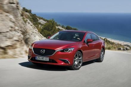 2017-Mazda6_Sedan_Action_12