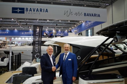 2Michael Mueller CEO BAVARIA YACHTS Vladimir Zinchenko CEO Greenline Yachts - Copy
