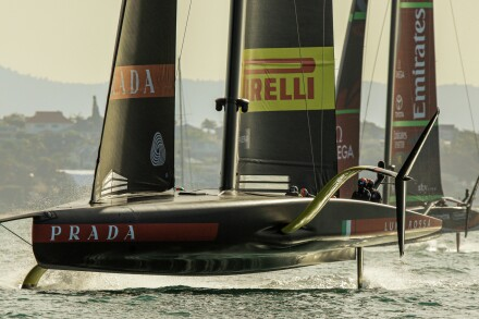 19/12/20 - Auckland (NZL) 36th America's Cup presented by Prada Race Day 3 Luna Rossa Prada Pirelli Team, Emirates Team New Zealand