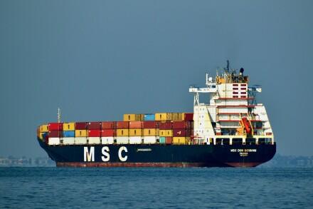 cargo-ship-5724401_1920